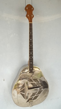 1928 Style 1 Tenor Tricone Serial 115
